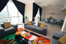 Apartment in Dubai - Flat by the beach in Dubai for rent monthly