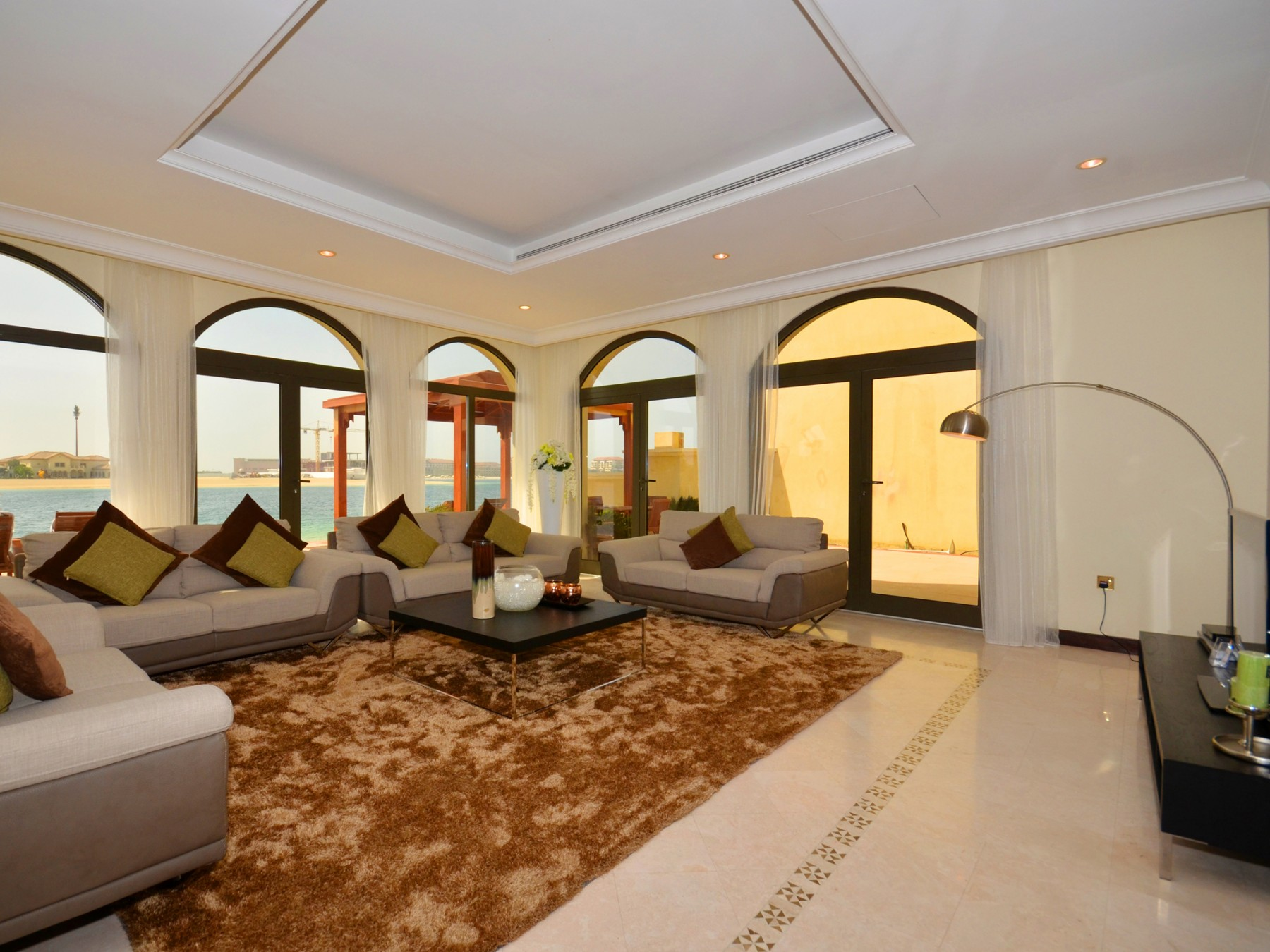Villa in dubai luxurious palm island villa w private pool and beach