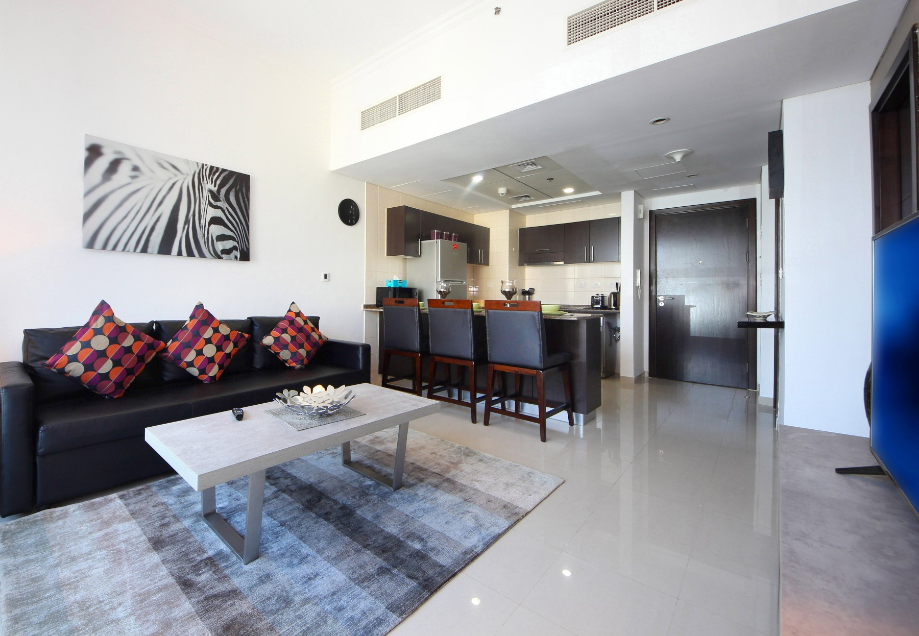 Dubai short term rental apartments 1 bedroom hometown for 180 degrees salon dubai
