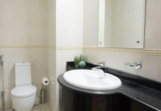 Apartment in Dubai - Designer 1 BR short term rental in Dubai