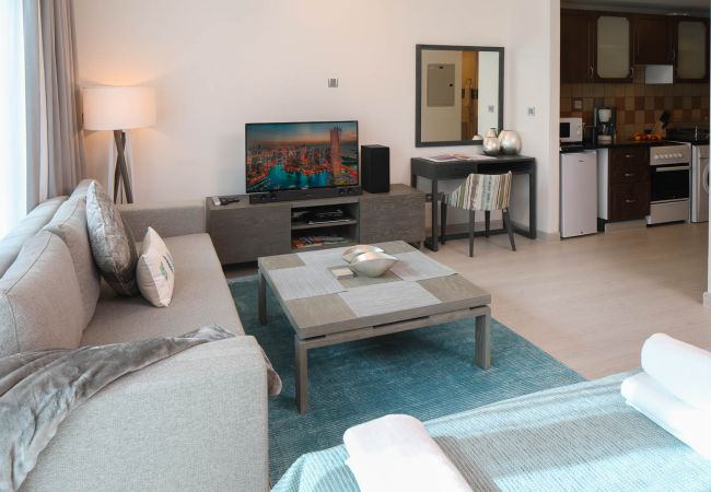 Apartment in Dubai - Great views, right on JLT metro