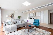 Apartment in Dubai - Designer 3BR for a family in the heart...