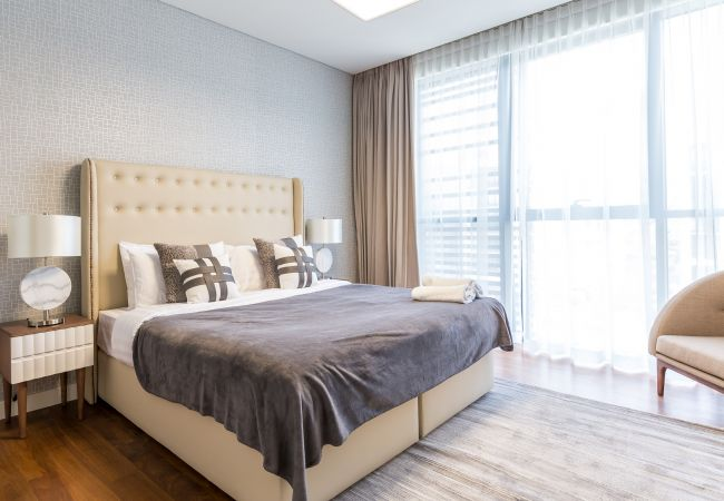 Apartment in Dubai - Stay in new and spacious 3BR right in the City Walk