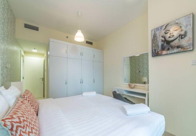 Apartment in Dubai - Grandiose 3BR Apartment by the Lake
