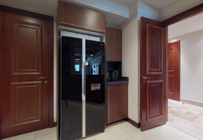 Apartment in Dubai - Premium Holiday Rentals on The Palm