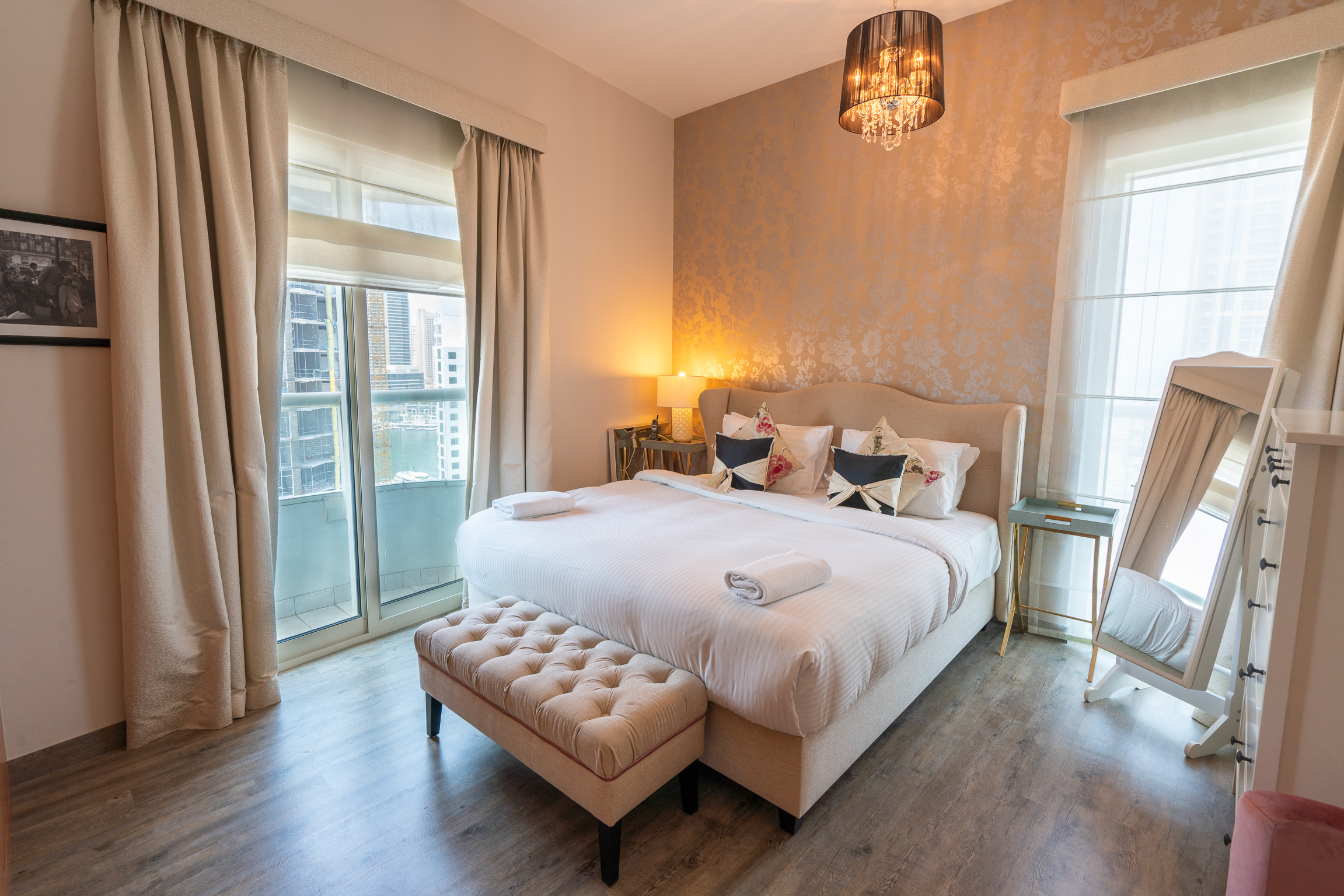 Homely 2 Bedroom Apartment in Dubai Marina - Apartments in ...