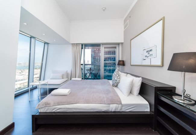 Apartment in Dubai - Opulent 2 Bedroom Apartment In An Architectural Masterpiece